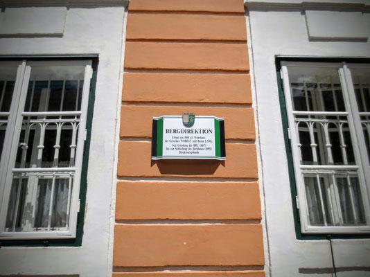 Es diente von der Gründung der BBU von 1867 bis zur Schließung des Bergbaues 1993 als Direktionsgebäude