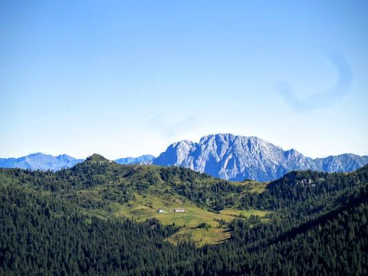 Im Hintergrund der Reißkofel - der höchste Berg der Gailtaler Alpen