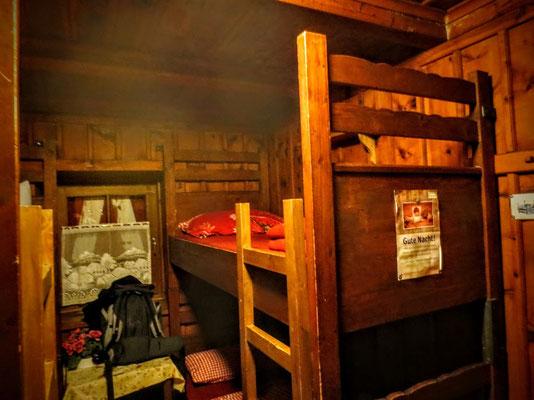 Die Schlafstuben in der Osnabrücker Hütte sind alle aus Zirbenholz und versprechen tiefen Schlaf - solange nicht jemand schnarcht...
