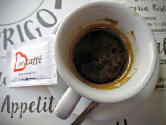 Und natürlich typisch italienischen caffè