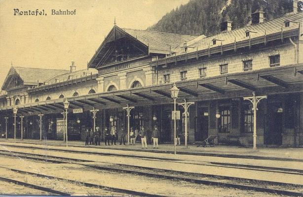 """Der Bahnhof von Pontafel einst Glanzstück, der als schönste Station der Monarchie galt und als """"Empfangsaal des Kaiserreiches"""" bezeichnet wurde"""