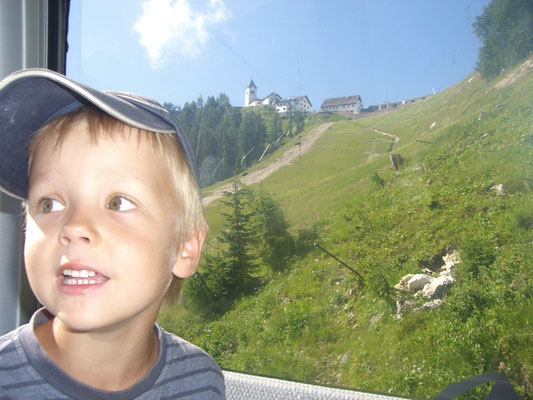 Fahrt mit der Gondel von Camporosso (Saifnitz) auf den Luschariberg