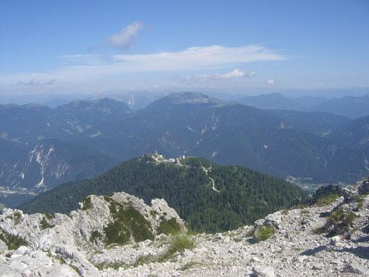 Blick vom Steinernen Jäger zum Ausgangspunkt, dem Luschariberg