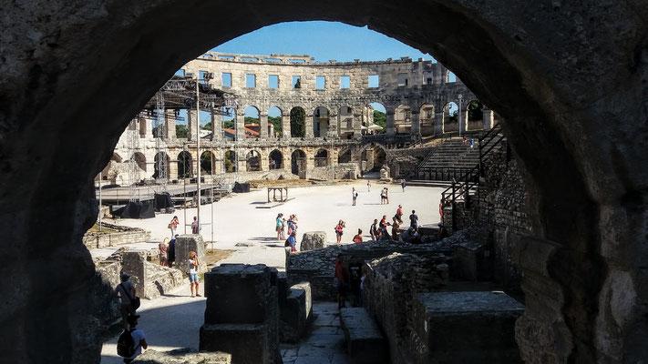 25.000 Zuschauer hatten zu römischen Zeiten Platz in der Arena von Pula