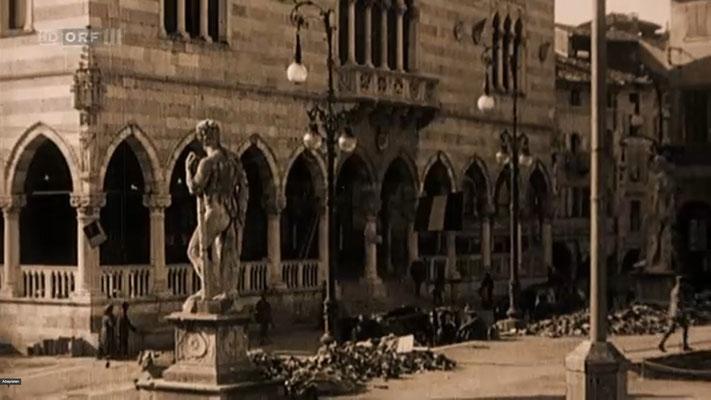 Der Piazza Libertà in Udine im 1. Weltkrieg in einer ORF-Dokumentation