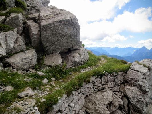 Kriegssteig aus dem 1. Weltkrieg am Grat des Monte Zermula