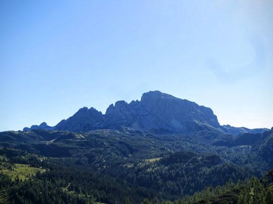 Blick hinüber zum Trogkofel - dahinter befindet sich das größte Kärntner Skigebiet, das Nassfeld