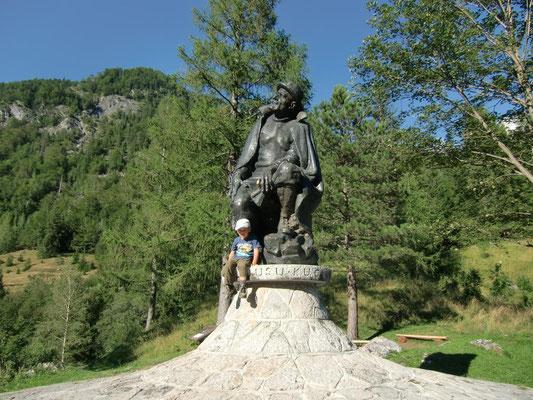 Kugy-Denkmal an der Vrsic-Strasse