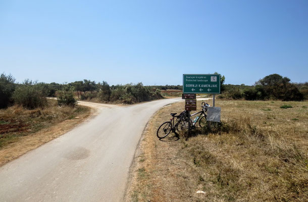 Mit dem Fahrrad geht es immer weiter Richtung Süden in den Naturpark Kamenjak