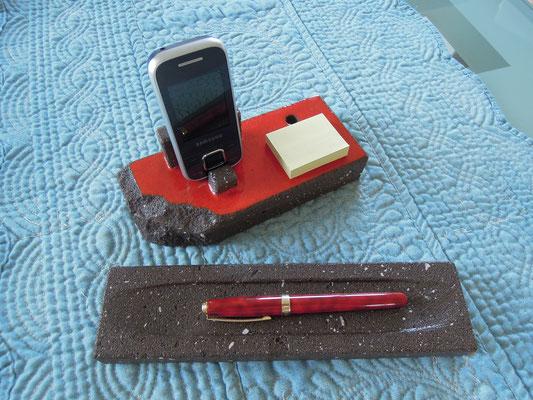 """Repose portable ou cartes de visite, post-it et stylo; """"plumier"""""""