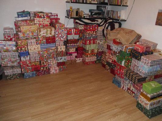 ...insgesamt mehr als 400 Geschenke...