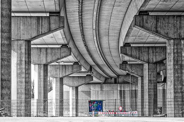 Autobahnbrücke  Duisburg
