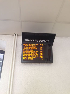 panneau d'affichage des trains&Cars à Mende du 05-10-2017