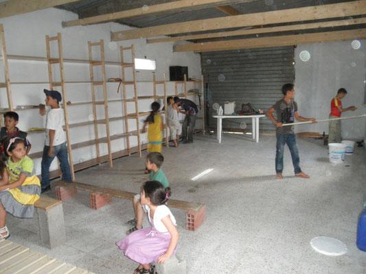 Aufbau der Bücherregale