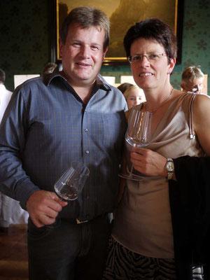 お城ワイナリーの栽培醸造責任者カーナーさんと奥様