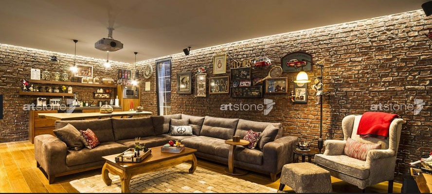 Wohnzimmer mit anmutiger Ziegelwand