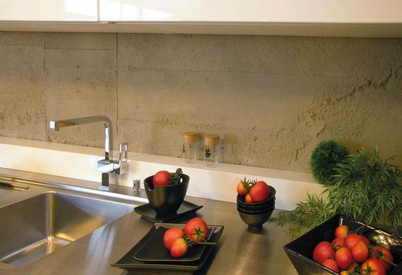 Sichtbeton Wandpaneele als Küchenrückwand