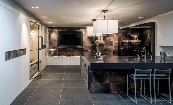 Einzigartige Küche mit Alphenberg Leder- Facelifting