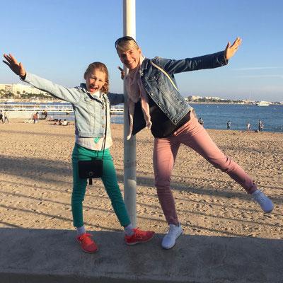 Oktober 2016: mit Mama am Strand von Nizza, Frankreich