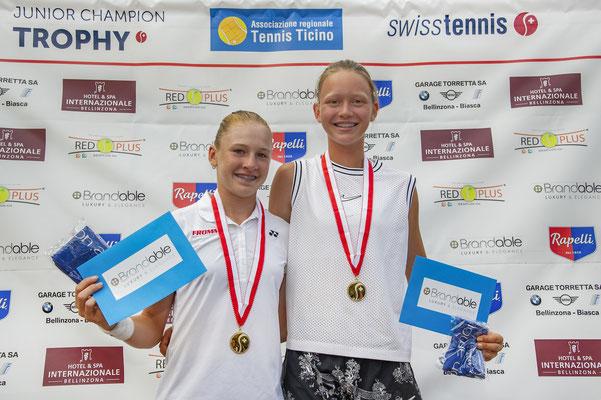 Juli 2019: Siegerin im Doppel an der Seite von Karolina Kozakova an den Junioren-Schweizermeisterschaften GD14, Sommer in Bellinzona TI
