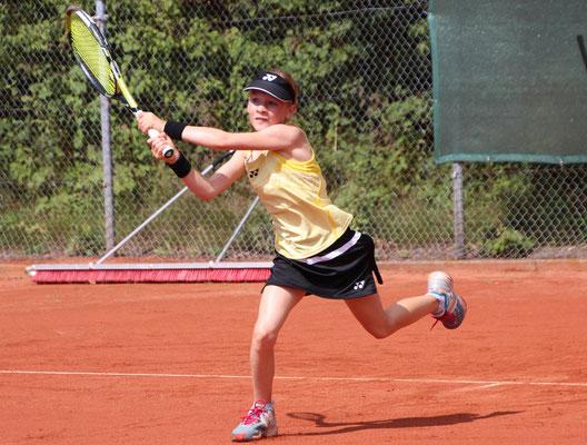 August 2015: Erste Turnierteile an einem int. Ten-Pro Turnier GS10 in Höhr-Grenzhausen, Deutschland