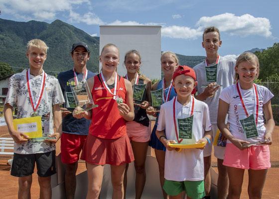 Juli 2019: Alle GoldmedaillengewinnerInnen an den Junioren-Schweizermeisterschaften GS14, Sommer in Bellinzona TI