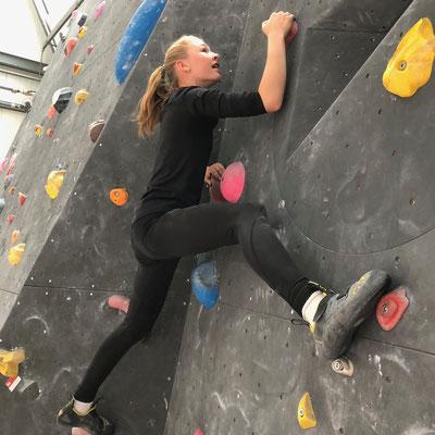 Mai 2019: Bouldern ist das Klettern ohne Kletterei und Klettergurt