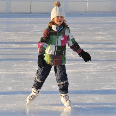 Dezember 2012: Eislaufen in Bülach ZH