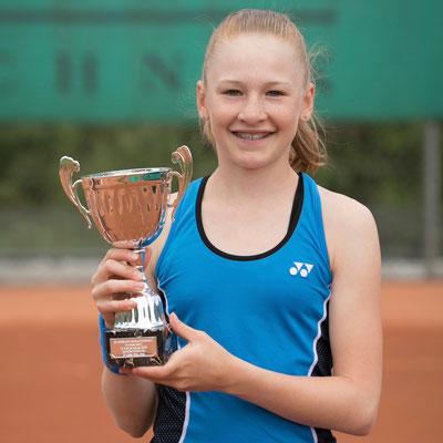 März 2018: Erster Turniersieg auf der Tennis Europe Junior Tour, Grade 2, auf den Azoren, Portugal