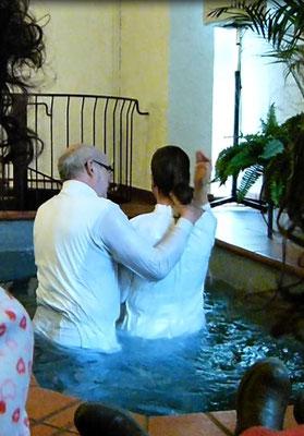 Taufe In Einer Baptistengemeinde Evangelisch