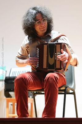 Il fisarmonicista M° Roberto Lucanero, ex allievo del M° Mugnoz