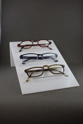 Brillenständer L Form