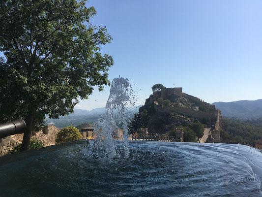 Brunnen Jativa Schloss Burg Aussicht Berg