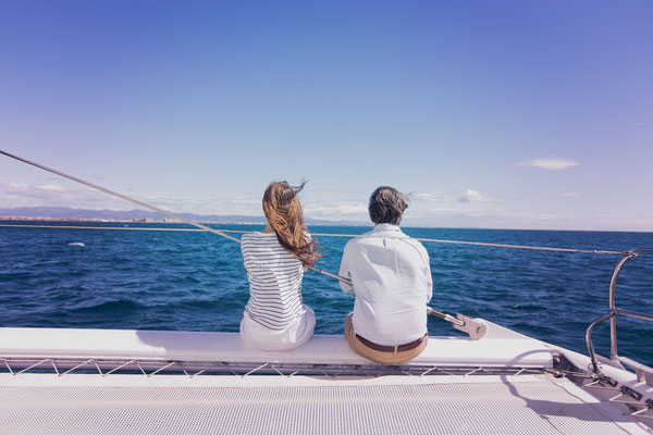 Romantik Katamaran Mittelmeer Segeln