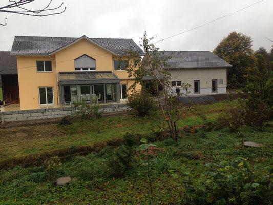 Wohnhaus mit Anbau, Arnegg, innere und Äußere Malerarbeiten und Verputzarbeiten