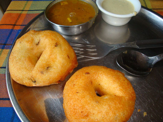 VADA = 南インドのドーナツ