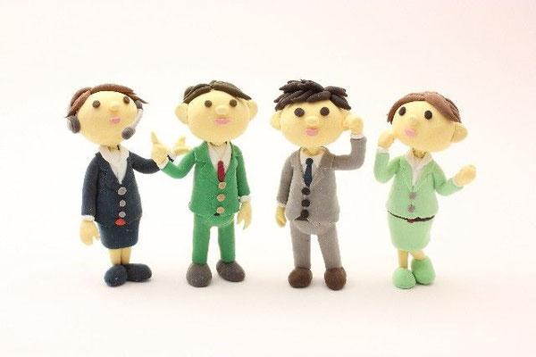複数体の人型人形