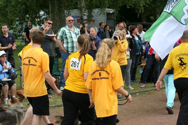 Einmarsch des Landesverbandes Nord-Rheinland