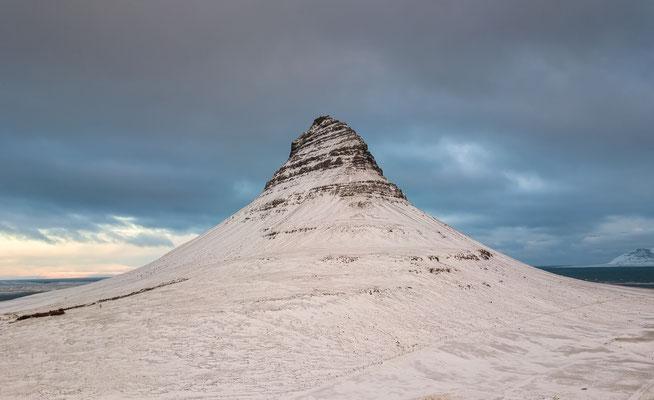 Kirkjufell Mountain -Iceland