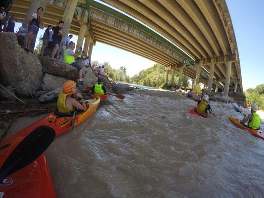 descenso en kayak por aguas bravas Cordoba