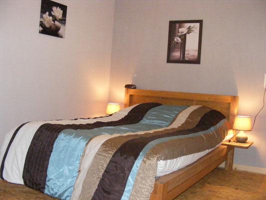 Chambre au lit double du 1er étage.