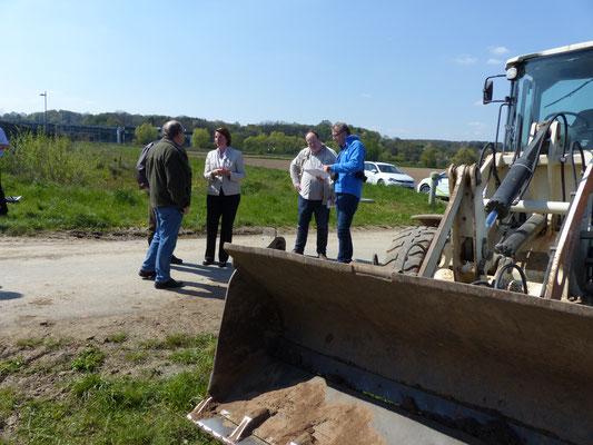 Pressetermin mit Behördenvertretern und der EnergieNetzMitte - Foto: Björn Behrendt