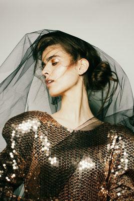 Assistant Hair & Make-up: Paula Bethge I Masterclass: Felix Fischer I Fotograf: Suzana Holtgrave I Model: Gloria Nussbaum
