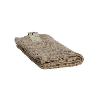 Gestricktes Handtuch aus Bio-Baumwolle von Iris Hantverk