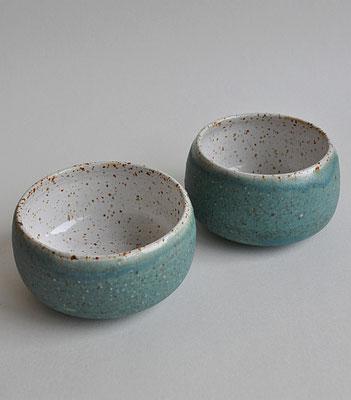 Keramikschale, Sinikka Harms, gesprenkelter Ton, türkis, Schälchen, Keramik, handgemacht
