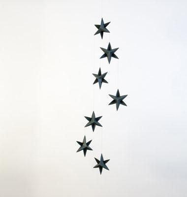 Livingly Mobile Sternengirlande, dunkelgrün, handgefetigt in Dänemark