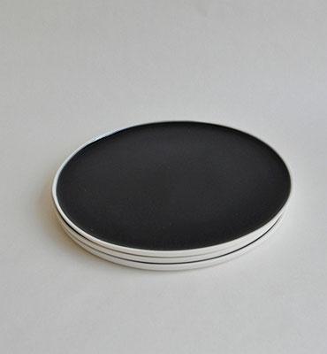 Porzellanteller, handgefertigte Porzellanteller, Suntreestudio, Keramik aus Hamburg
