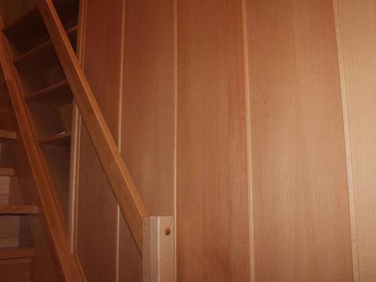 Wandverkleidung aus Furniersperrholz