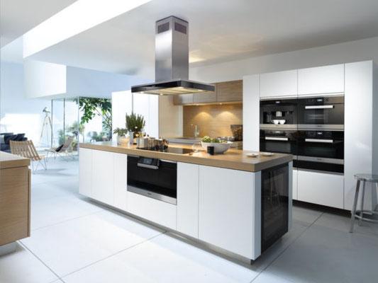 Miele Küche mit Kochinsel