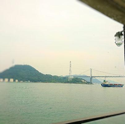 関門海峡を眺めながらランチ